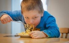 Cara Jitu Untuk Mengatasi Anak Yang Suka Pilih-Pilih Makanan